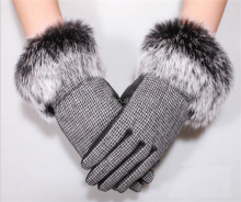 ladies waterproof heat resistant fake leather gloves