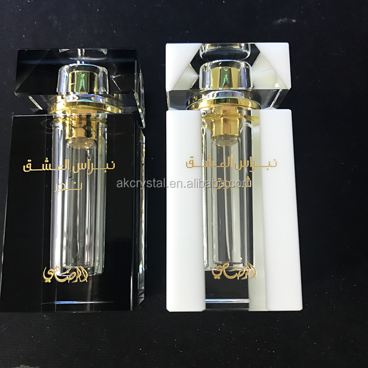 Fashion wedding favors personalized square shape crystal perfume oil refill bottle 12ml made in China