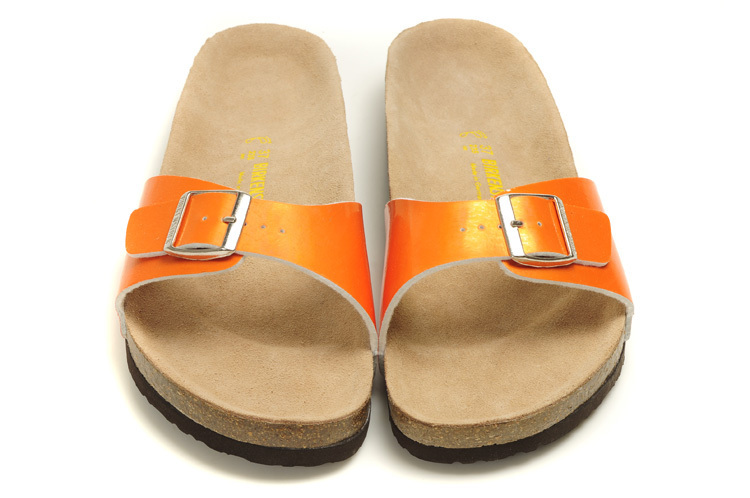 db3eb03ee2aa Get Quotations · Summer Shoes Men s Slippers Beach Shoes Fashion Casual  Birkenstock Shoes Soft Leather Sandals Zapatos Hombre Sapato