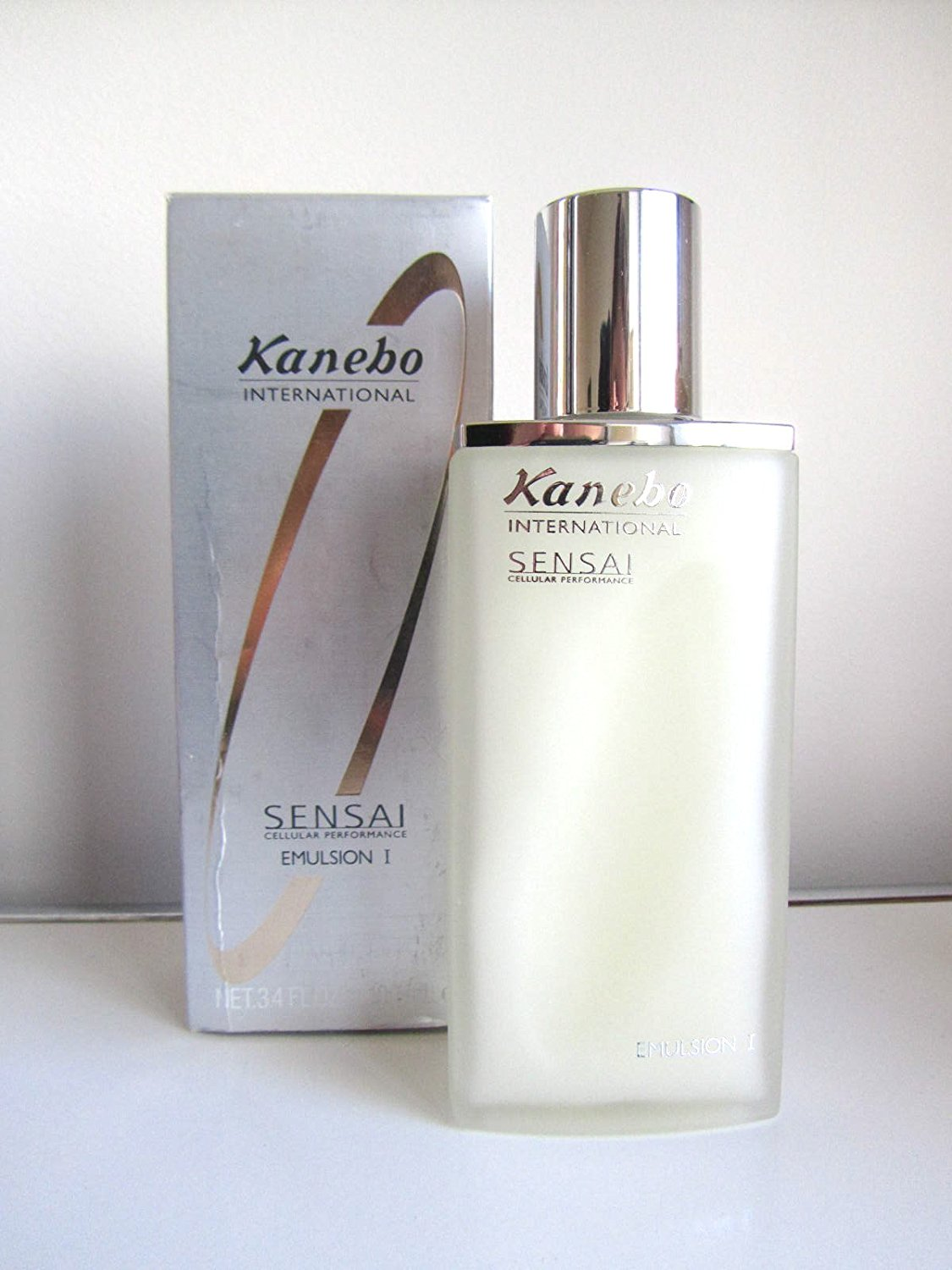 0868c56f4e5 Get Quotations · Kanebo Sensai Cellular Performance Emulsion I (Oily to  Combination Skin) (Box Shows Some
