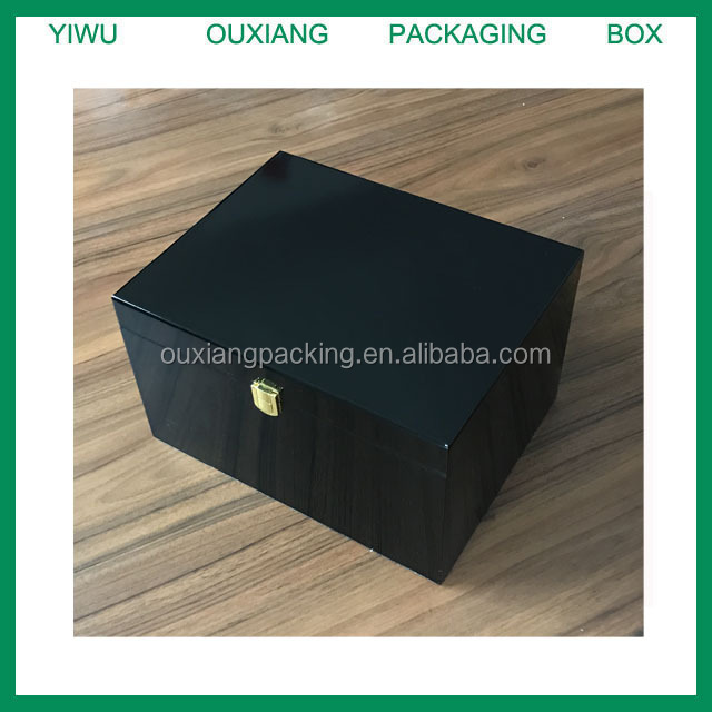 piano black lacquer finish luxury wooden box for shoe accessories , shoe oil ,shoe brush