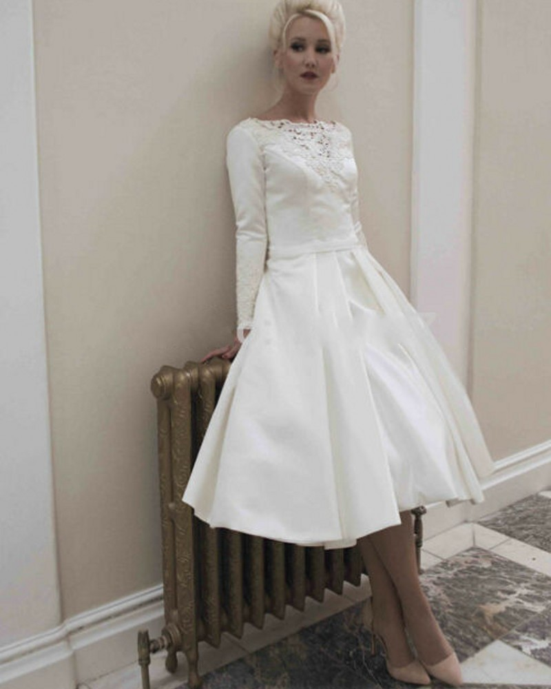 Short Sleeve Simple Wedding Dress: Elegant Long Sleeves Satin Short Wedding Dresses 2016