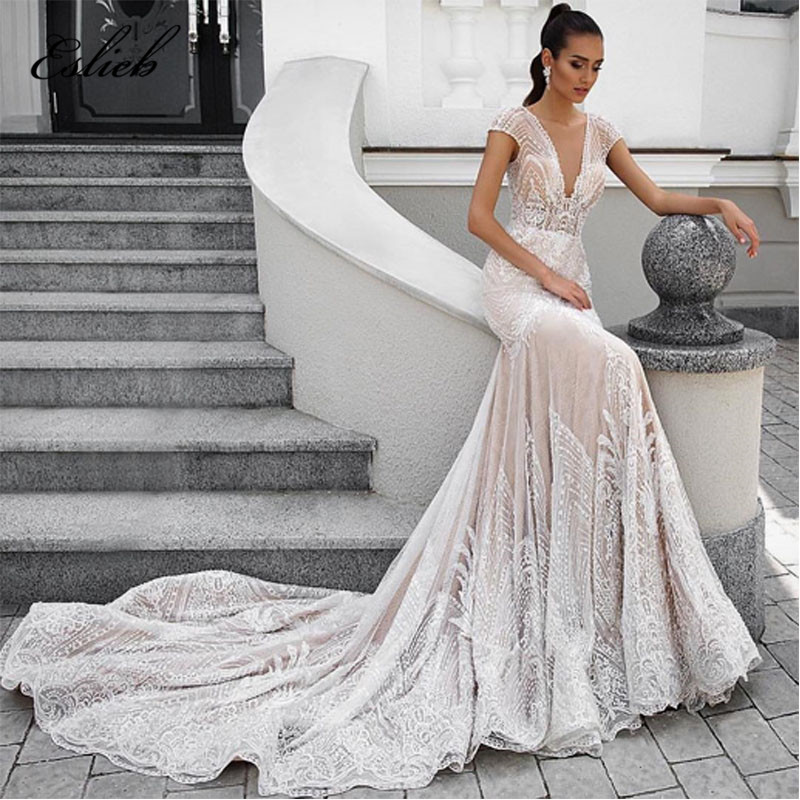 4e81aa636006 Elegante appliques del merletto abito da sposa cap maniche di pizzo  speciale corte di coda profondo