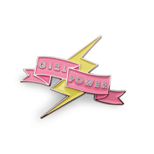 Personalizzato soft smalto girl power pin <span class=keywords><strong>distintivo</strong></span> con il cartone