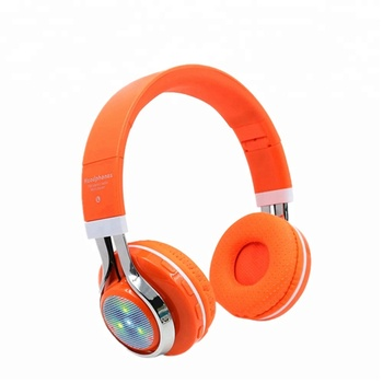 5bf63b3bbd0 Amazon best sellers 2018 high quality wireless LED wireless headphones for  laptop 7 in 1 FM