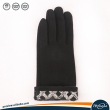 Wholesale Custom Personalized Cute Design Cheap Winter Warm Gloves
