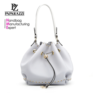 8803 Paparazzi white color fake leather drawstring bag with eyelet latest simple elegant ladies shoulder bags