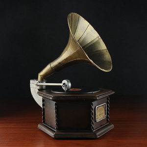 Wholesale Vintage Gramophone Antique Retro Prop Model Coin Bank Home Decoration Metal Crafts For Home Pub Office Decor