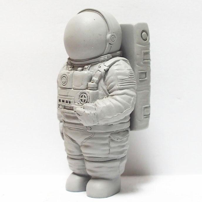 plastic astronaut figurines - 688×688