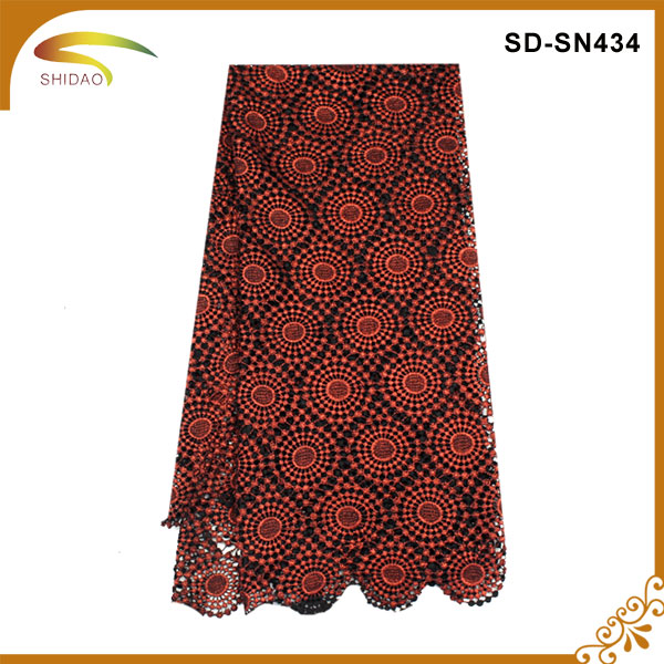 Polyester Water Soluble Lace Fabric Beatiful Flower Design Guipure Lace Chemical Lace Fabric