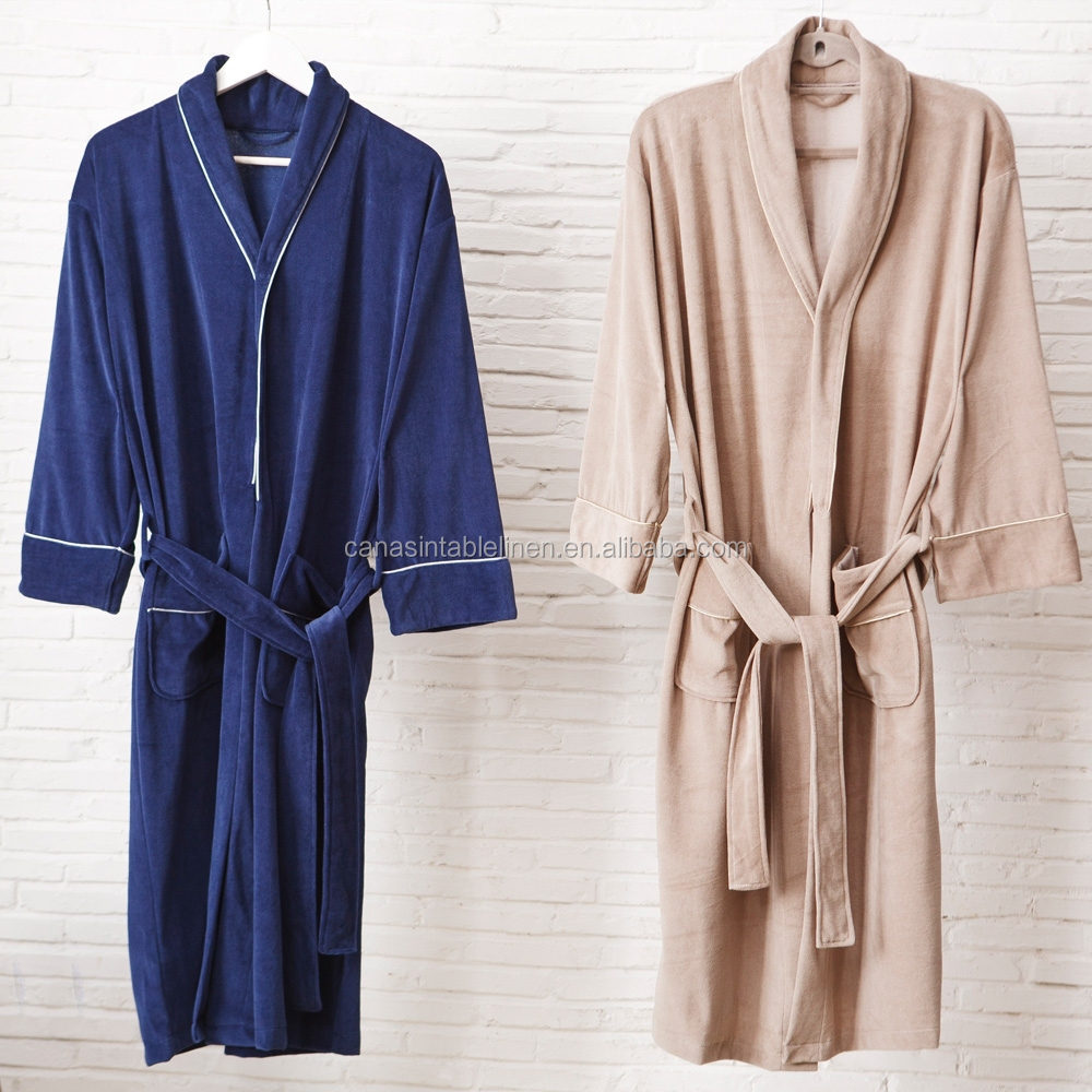 The best low cost men's bathrobe Latuza Why you'll love it: The Latuza Cotton Flannel Robe is an absolute classic right down to its materials and print design, plus, it's affordable.