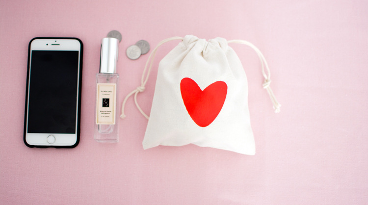 The factory sells 14X16cm red love cotton gift pouch gift bag plain cotton drawstring pouch