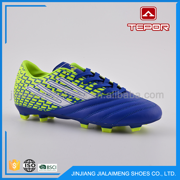 Different styles comfortable OEM custom men sport used cheap football soccer shoes