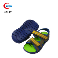 New design cheap soft leather boy baby shoes