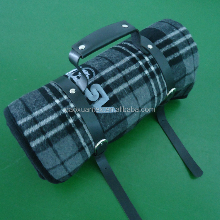 super high quality mix wool material/sponge/nylon waterproof roll with PU handle travel blanket