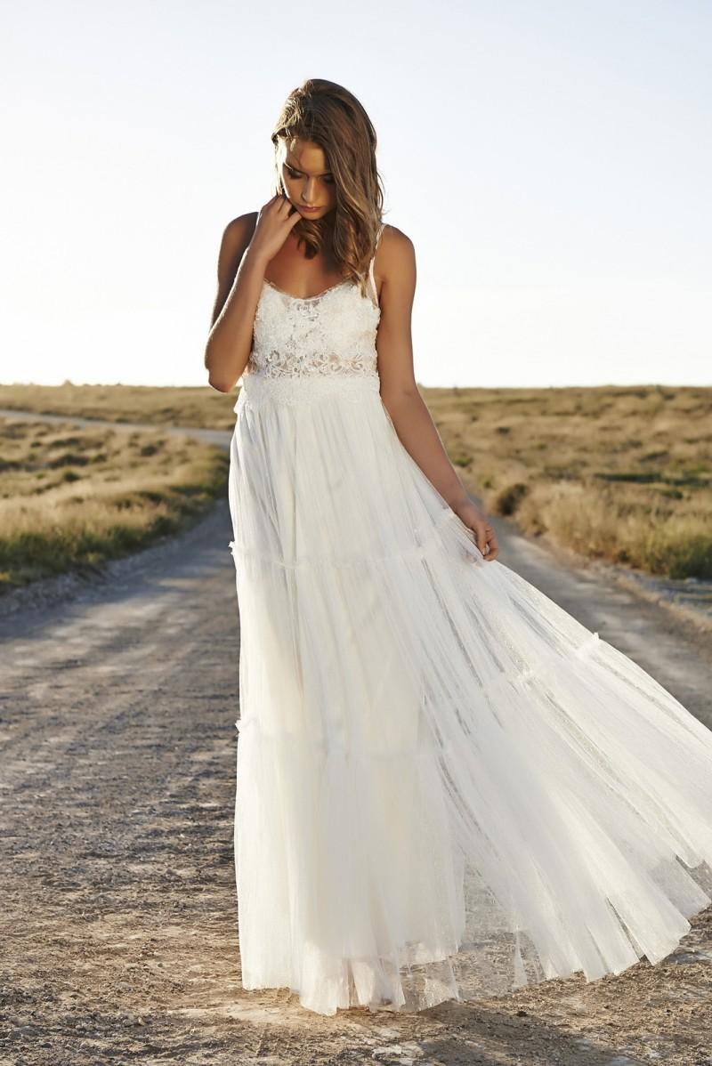 robe de mari e hippie dentelle id es et d 39 inspiration sur le mariage. Black Bedroom Furniture Sets. Home Design Ideas
