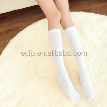 Фото девушек в носках белых #13