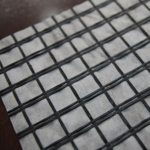 Fiberglass Geogrid/Polyester Geogrid Composite With Nonwoven Geotextile By Glue