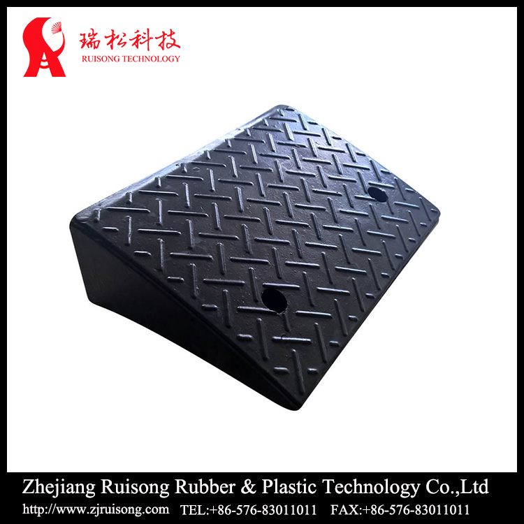Rubber truck loading ramp black color