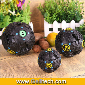 New fashion and funny rubber pet leakage food ball With Strange Voice ,wholesale pet toy ball
