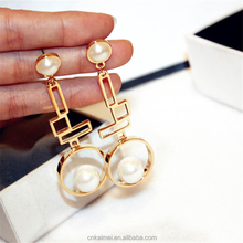 2018 fashion pearl jewelry korean exaggerated gold plated long irregular geometric freshwater pearl earrings