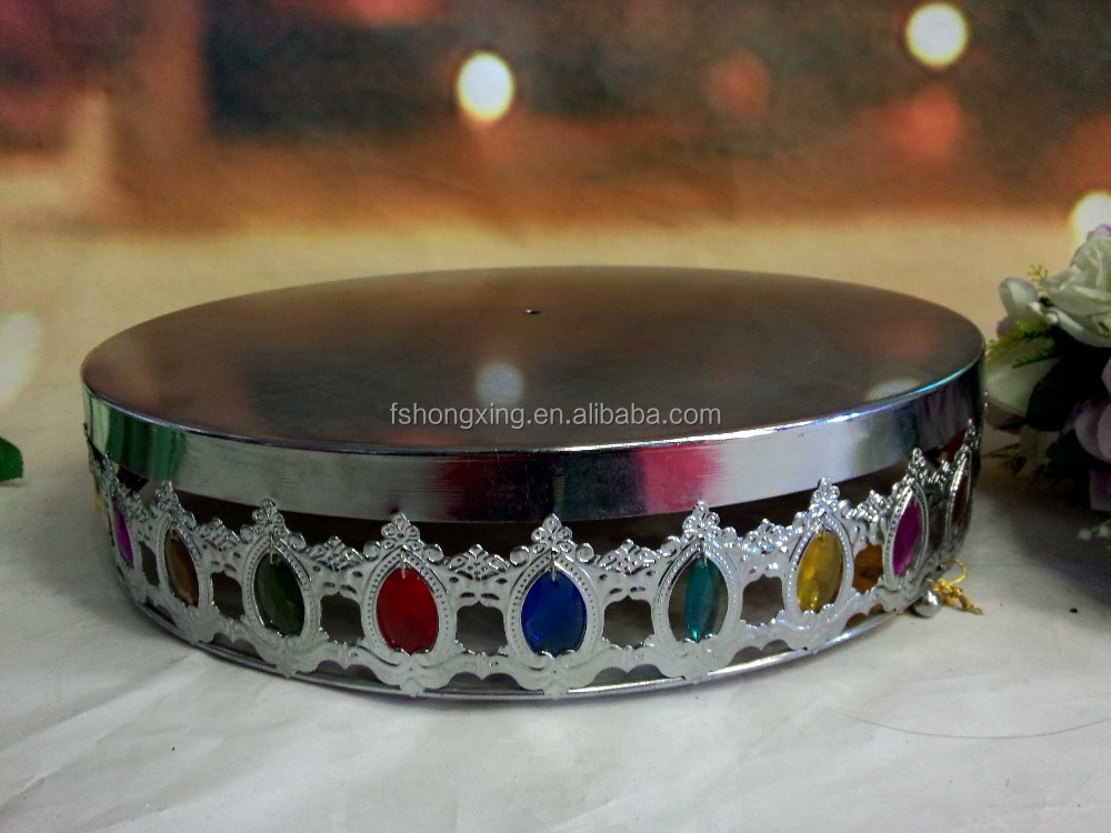wedding cake stand with colorful bead for wedding decoration