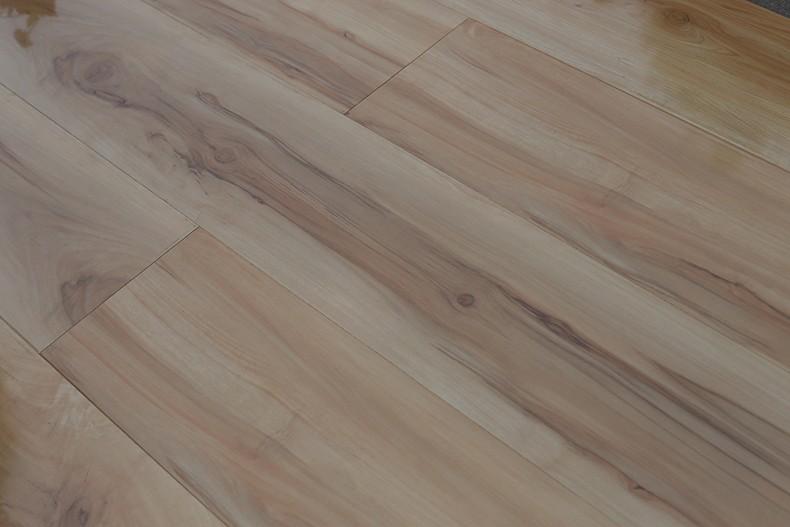 2017 China New Design 3d Laminate Wood Flooring Tiles
