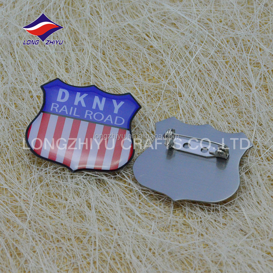 Dubai UAE gold eagle metal zinc alloy custom design souvenir badge lapel pins,personalized style gold commemorative emblem badge
