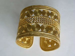 Colombia Golden Jewelry Cuff Bracelet