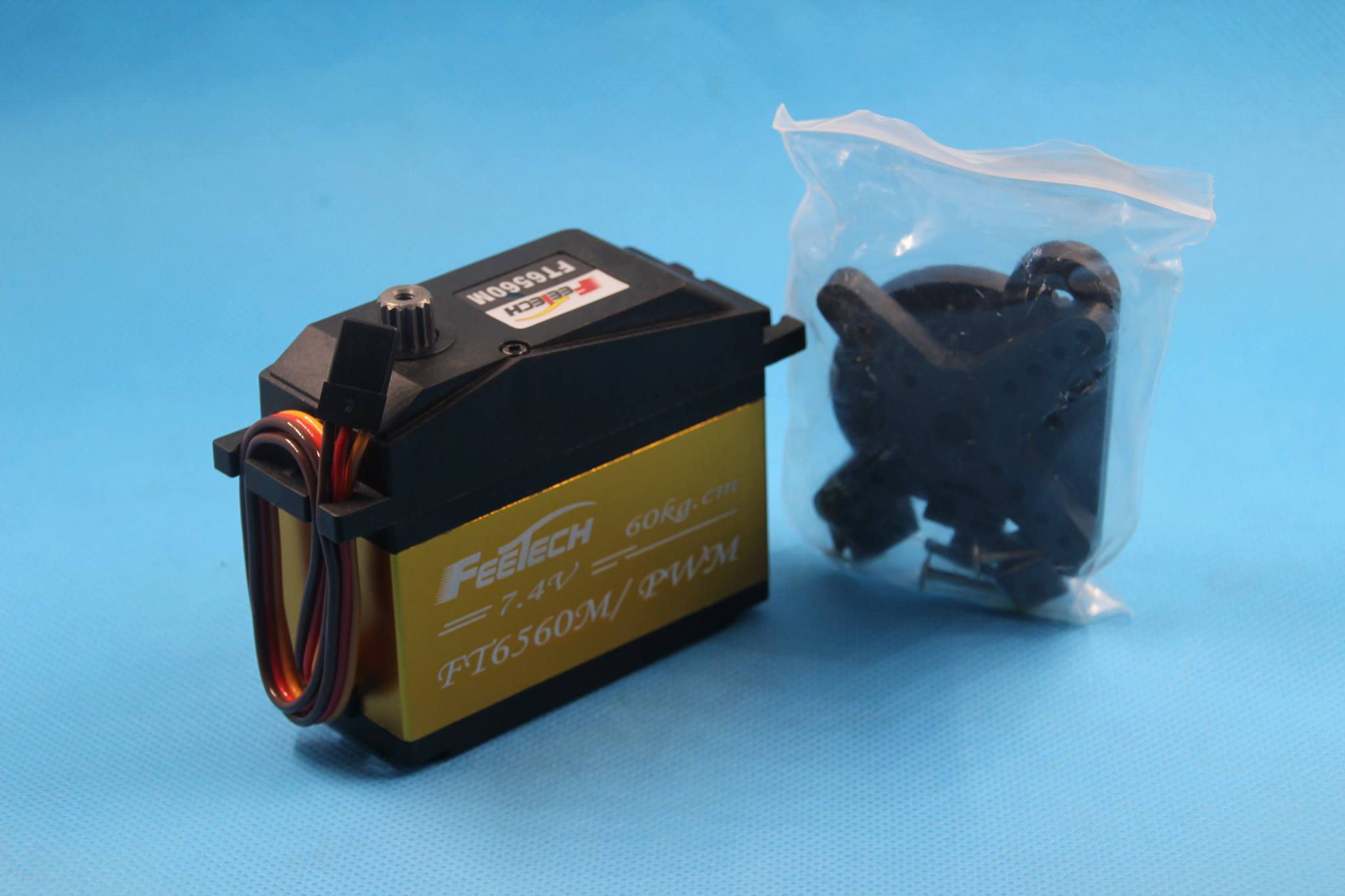 FEETECH FT6560M 60kg RC servo for Emotional escort robot 1:5 RC CAR