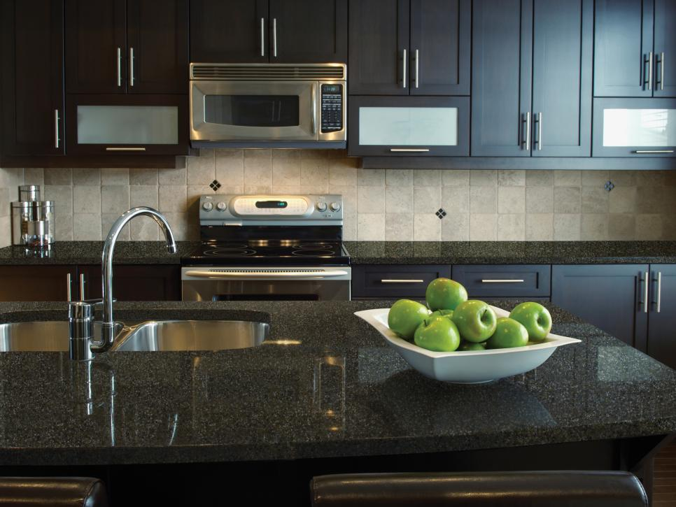 wholesale kitchen benchtop quartz stone artificial black sparkle quartz stone countertops