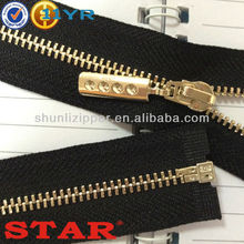 Hot sale and high quality of Metal Zipper companies