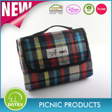 Oeko-tex high quality fabric 100% polyester Outdoor Waterproof fashion large travel Blanket