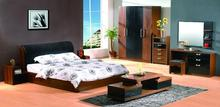 2017 Modern adult bedroom furniture set was made from E1 solid chipboard and environmental protection paint for the bedroom