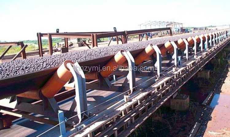 Rubber coated conveyor rollers, belt conveyor joint, belt conveyor for used tire recycling industry
