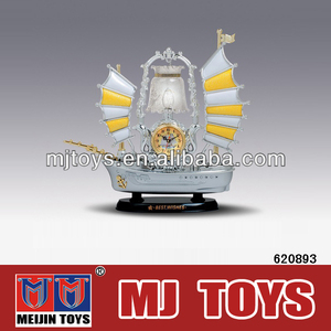 2013 newest cheap plastic antique figurine lamps