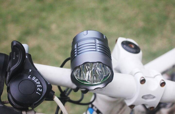 4 x Cree XM-L T6 4800LM rechargeable LED bike light