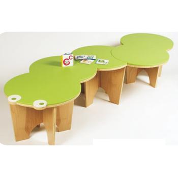 Tavoli E Sedie In Plastica Per Bambini.Scrivania E Sedia Per Bambini