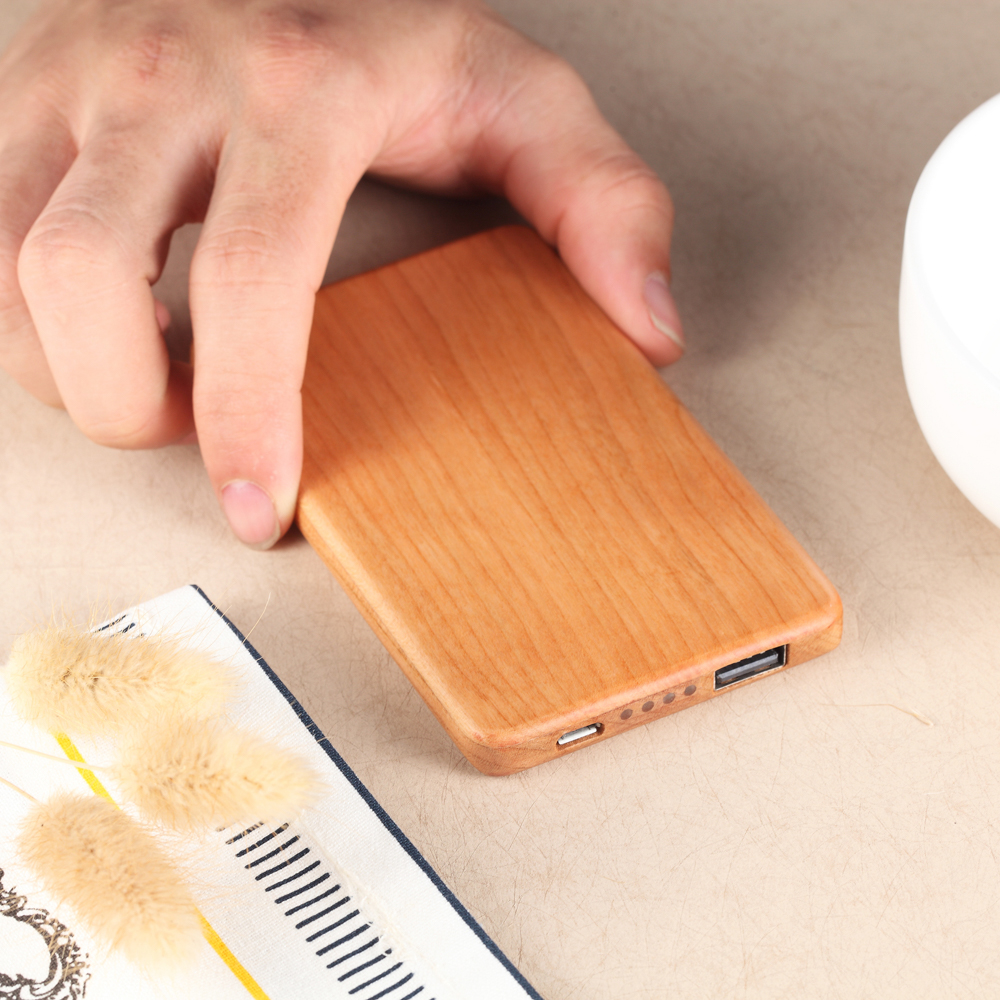 Trustworthy Factory Search Distributor 3.7v output voltage portable power bank