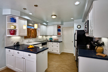 American standard shaker white kitchen cabinet buy for Standard white kitchen cabinets
