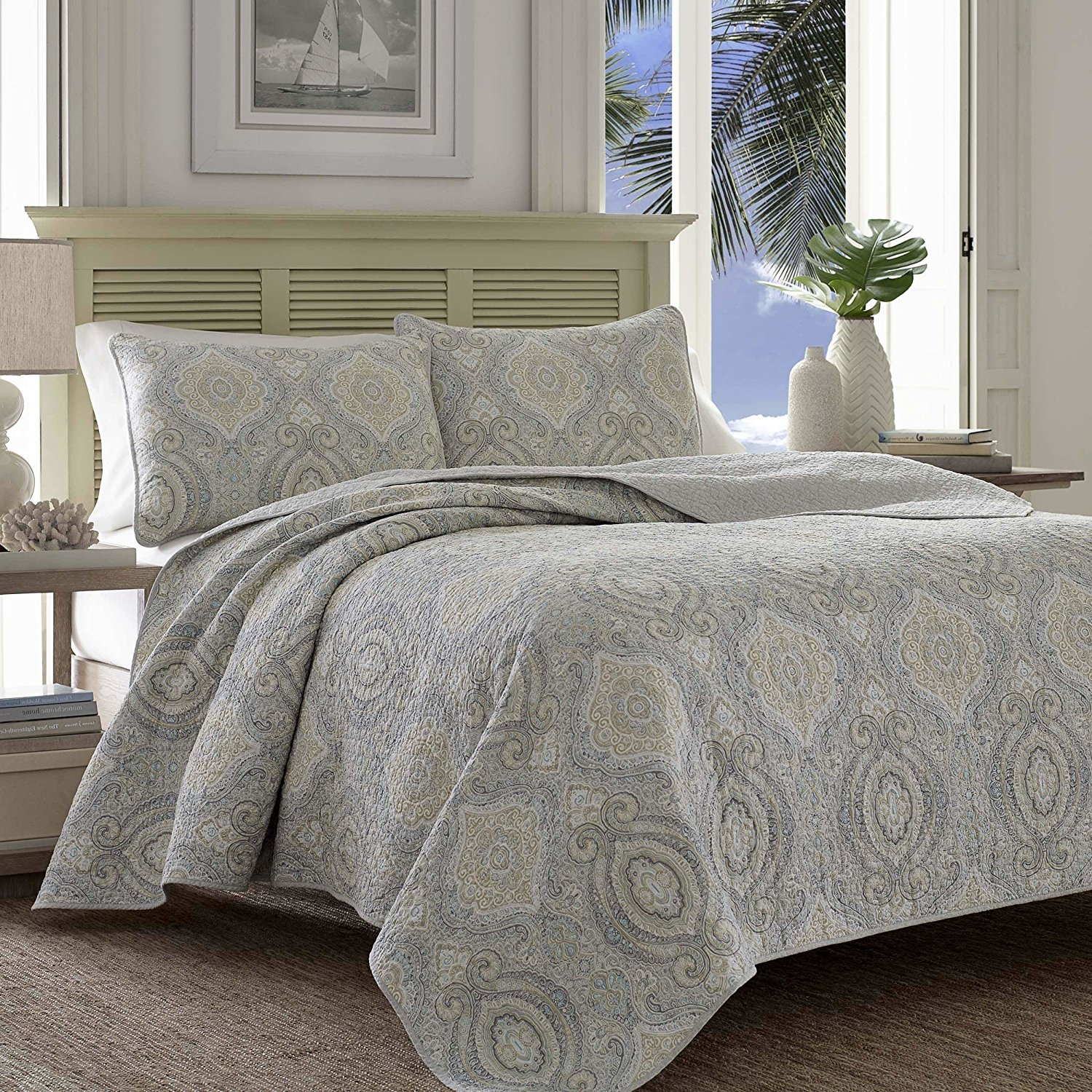 3 Piece Silver Grey Paisley Quilt Full Queen Set, Gray Tan Geometric Medallion Floral Pattern Theme Bedding Bohemian Modern Shabby Chic Classic Traditional Reversible Quilted Texture Bedspread, Cotton