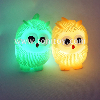 2018 Adorable Flashing Owl Spiky Puffer Ball Toys