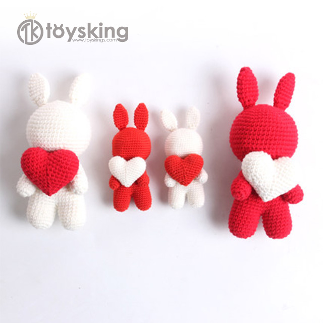 Ravelry: Amigurumi Love Bunny - Crochet Heart pattern by Jennifer ... | 640x640