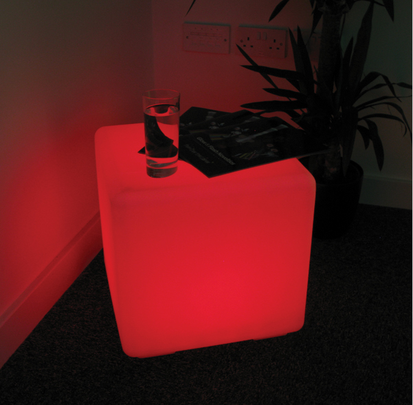 40cm plastic LED glow table cube design for indoor/ outdoor