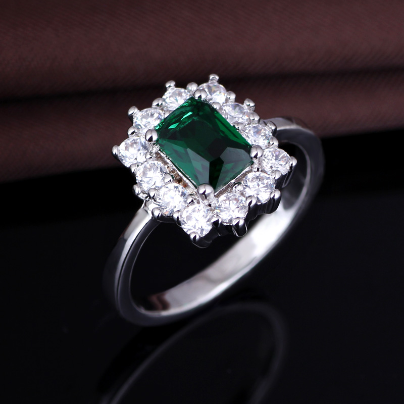 Wholesale Jewelry Stores Emerald Diamond Women Silver Engagement Rings