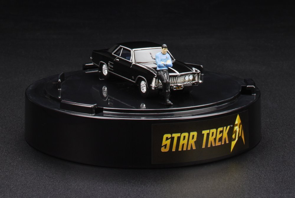 SDCC 2016 Star Trek Hot Wheels 64 Buick Riviera with Spock 1:64