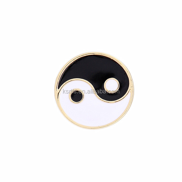 Cheap round shaped enamel metal lapel pin, best quality China style yinyang lapel pin manufacturers china