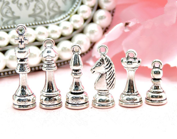 NEW 3D metal game pawn Antique Silver Tone Pawn Bronze metal chess charms