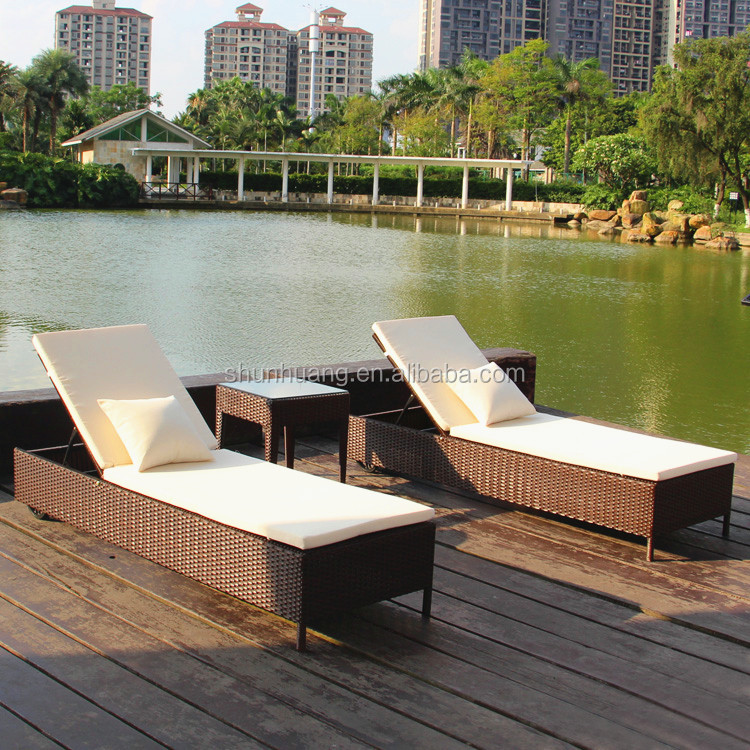 Outdoor PE rattan wicker sun lounger poolside furniture chaise lounge