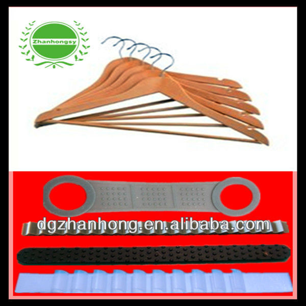 (Skidproof strips ) PVC/PET coated chromed Wire hanger